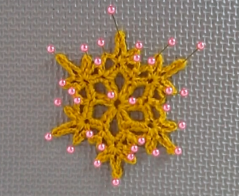 Look how many pins I used for the small snowflake.