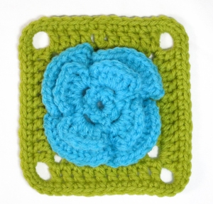 flower_in_a_square_pattern
