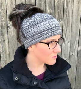 messy bun beanie tutorial free pattern